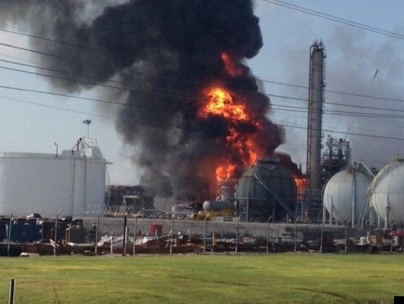 http://i.huffpost.com/gen/1189743/thumbs/o-EXPLOSION-CHEMICAL-PLANT-570.jpg?5
