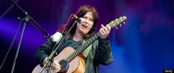 KIM DEAL QUIT THE PIXIES