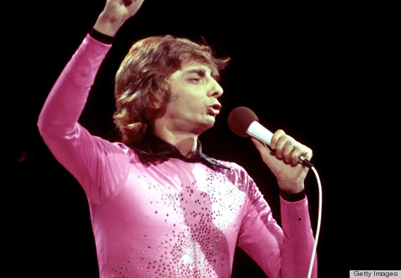 Barry Manilow In A Pink Sparkly Top Is A Sight To Behold Photos