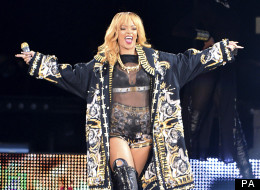 Rihanna Tries Hard For Twickenham