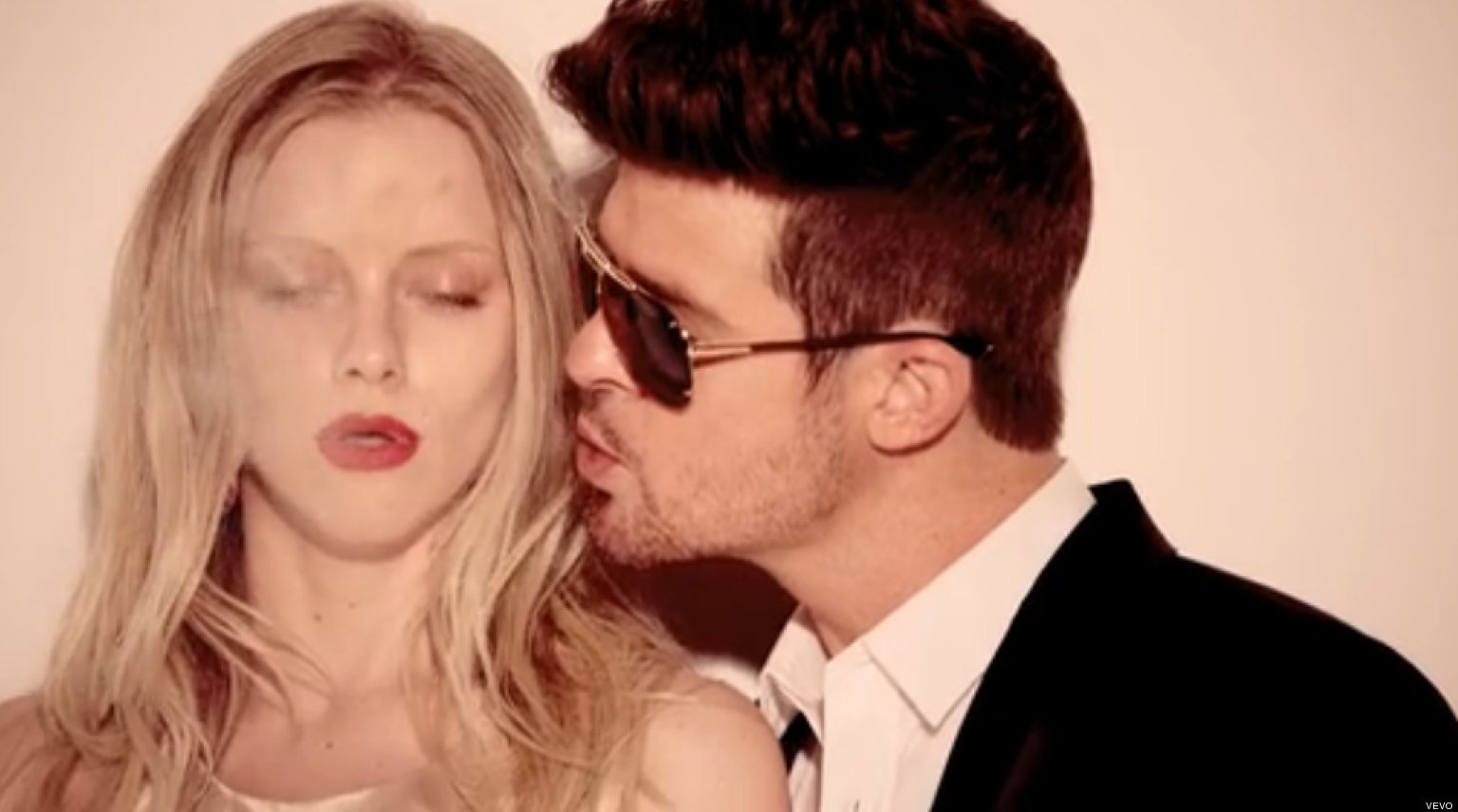 Robin Thicke's 'Blurred Lines' Dubbed 'Rapey,' Hit Song U...