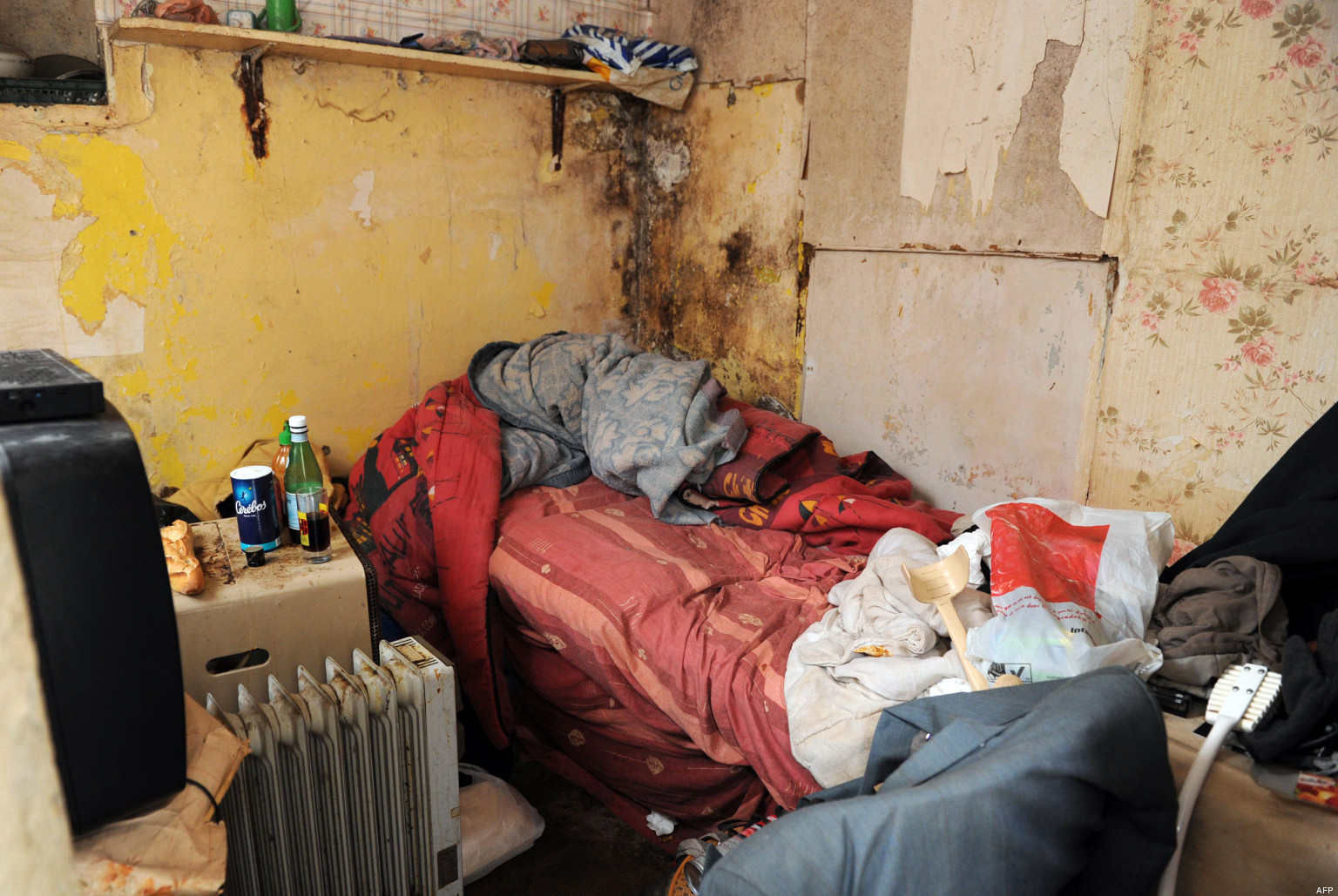 Marchands de sommeil c cile duflot s 39 attaque au logement indigne un fl - Nettoyage chambre hotel ...