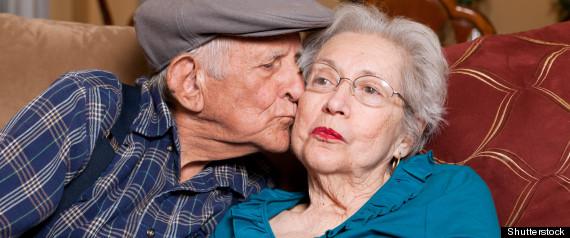 SEXUALITE PERSONNES AGEES MAISONS RETRAITE