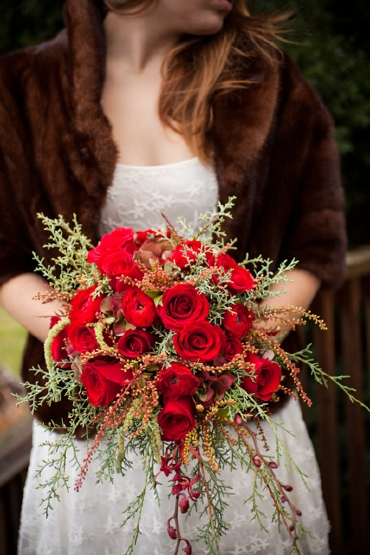 red flowers for weddings wedding bouquets for gorgeous dramatic nuptials 7003