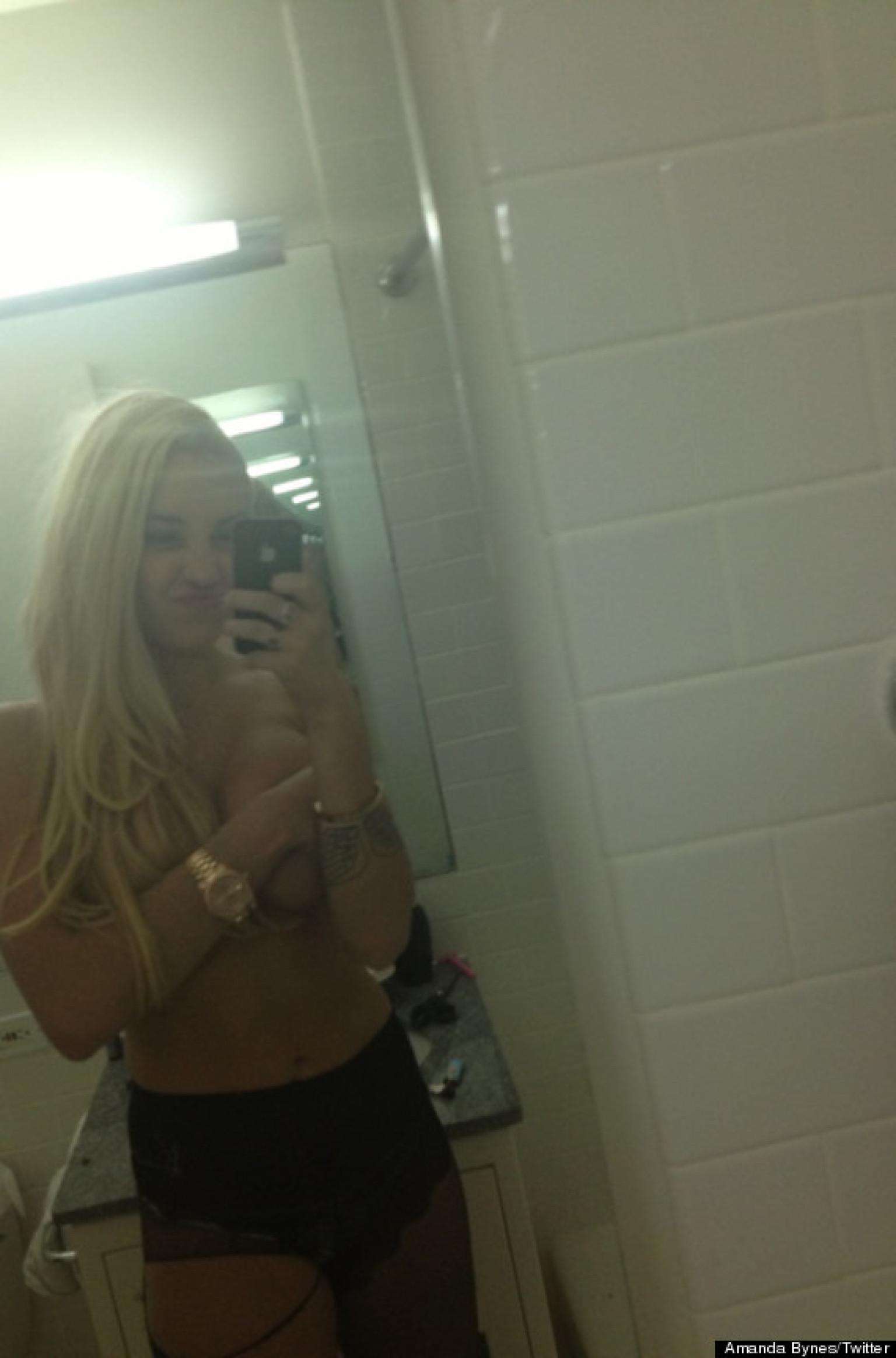 Stars Amanda Bynes Nude Picture Gif