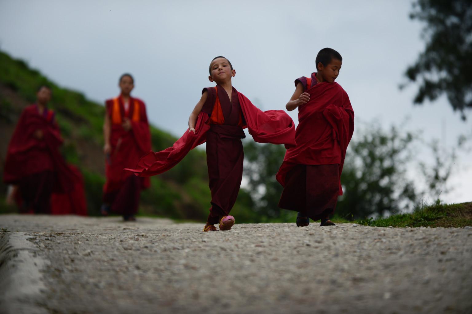 Секс среди монахов 11 фотография