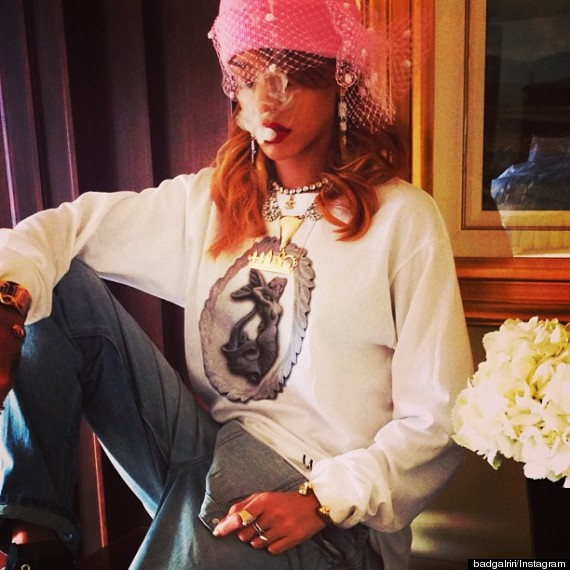Rihanna Loves Smoking Weed In Case You Didn T Already
