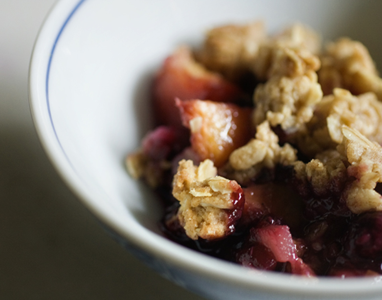 Blackberry Peach Ginger Crumble | The Huffington Post