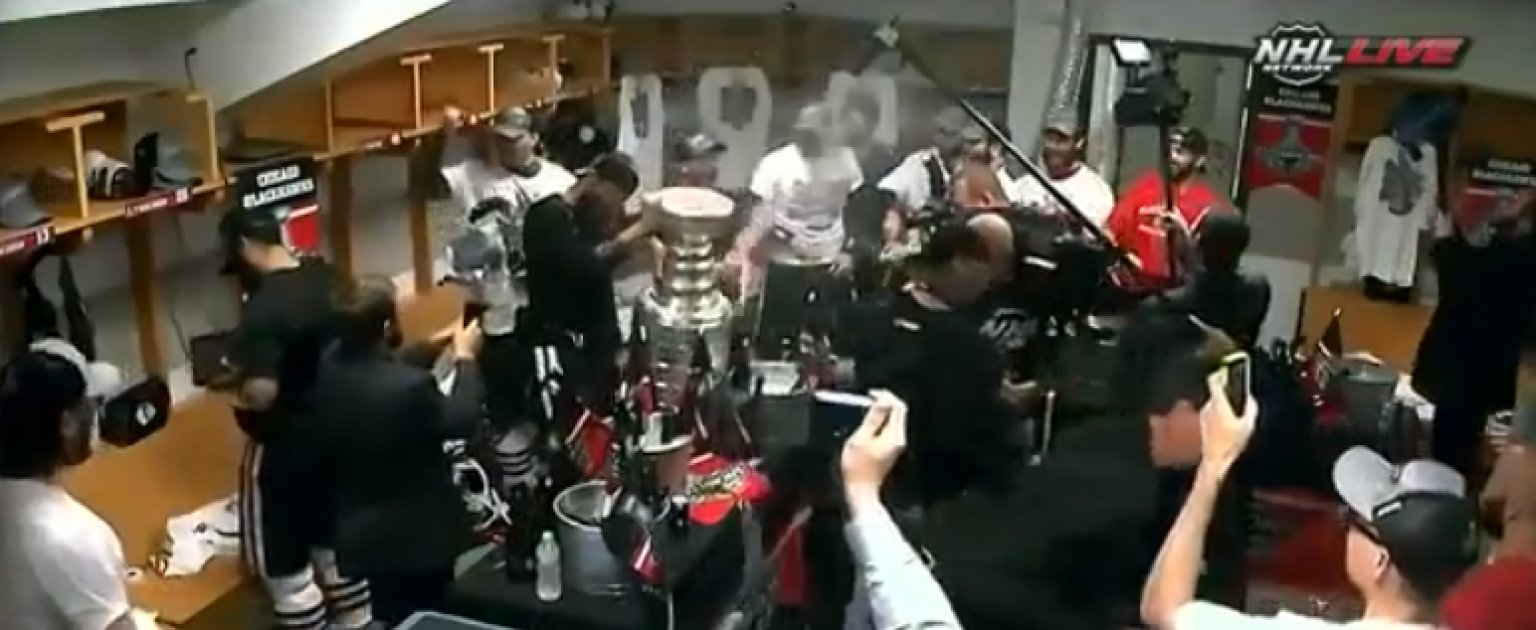 Blackhawks Celebration Beer Champagne Flow In Locker