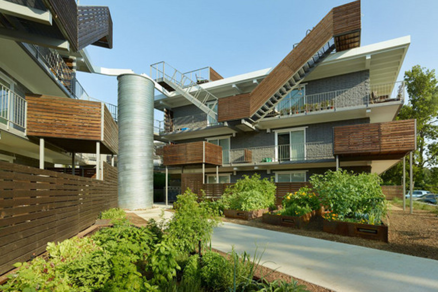 Sustainable architecture 5 reasons to love green for Home architecture facebook