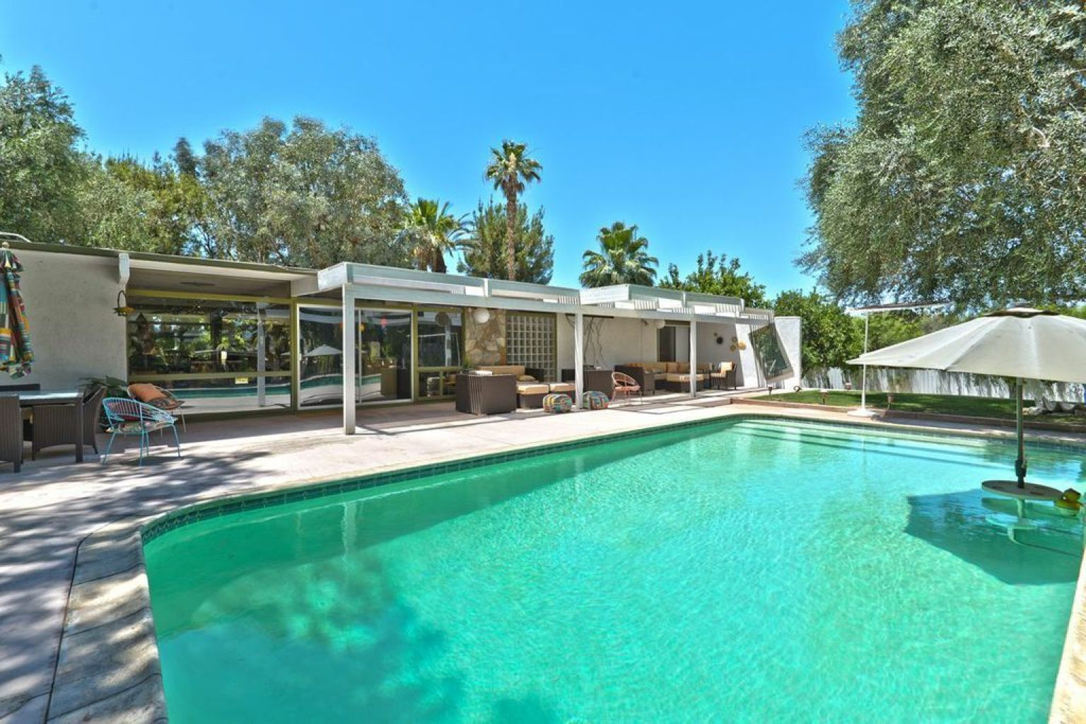 Rock Hudson 39 S California House Still Has Some Of Its
