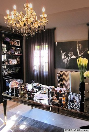 Khlo kardashian 39 s house is just as glamorous as she is for Decoration maison khloe kardashian