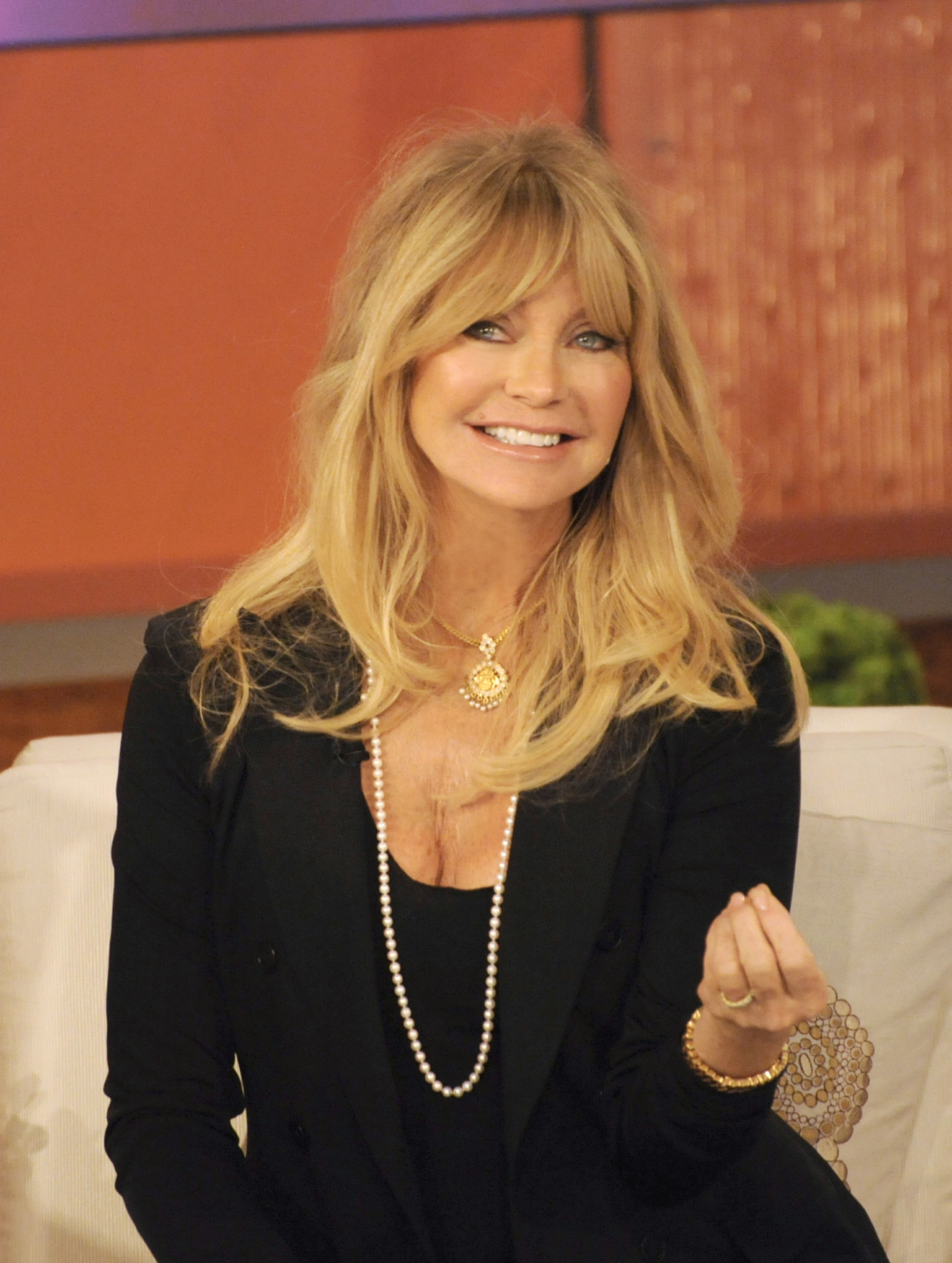 Goldie Hawn's Mindfulness Program Makes Kids Better At ...