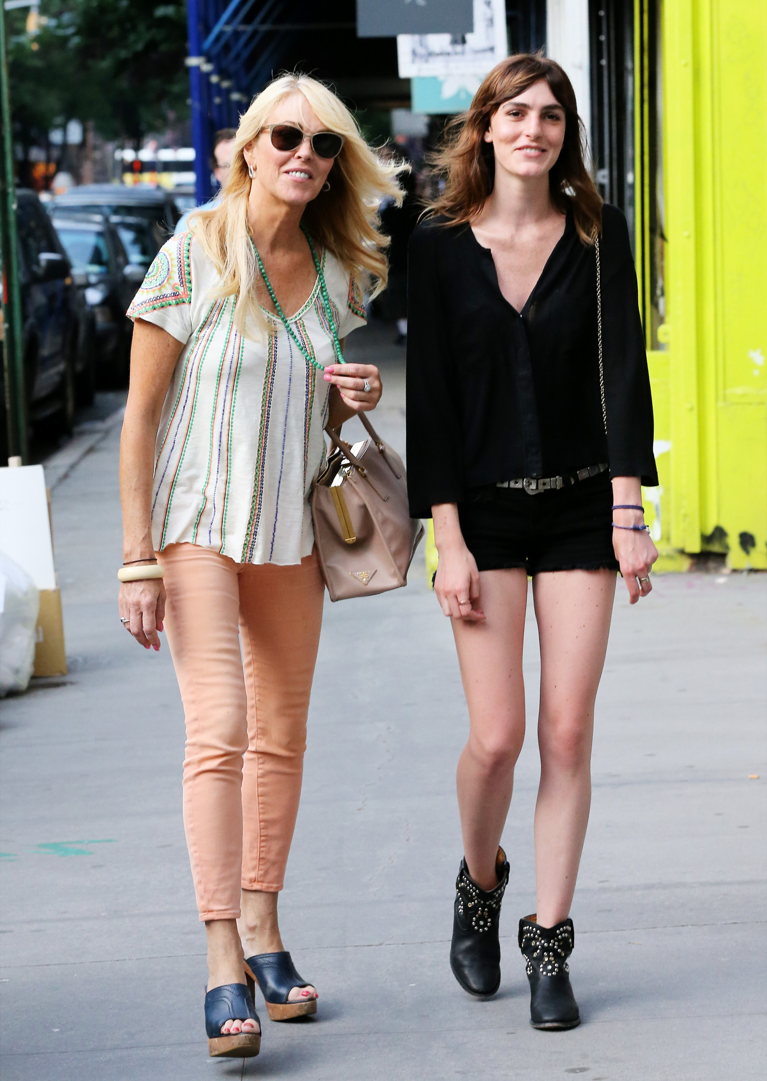 Ali Lohan's Short Shorts: Model Spotted In SoHo With Mom (PHOTOS) | HuffPost