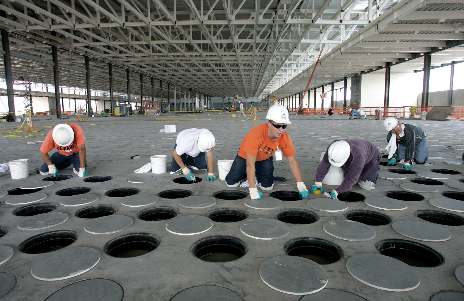Nitrogen Leak At Arizona Intel Plant Sends Employees To