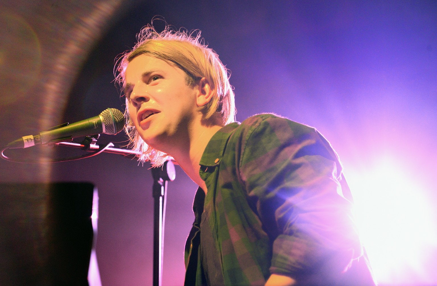 "singles in odell Includes the new single ""if you wanna love somebody"" visit the site for upcoming information on tom odell, and sign-up to his newsletter new releases, 2018 tour dates tickets, videos, photos and more."