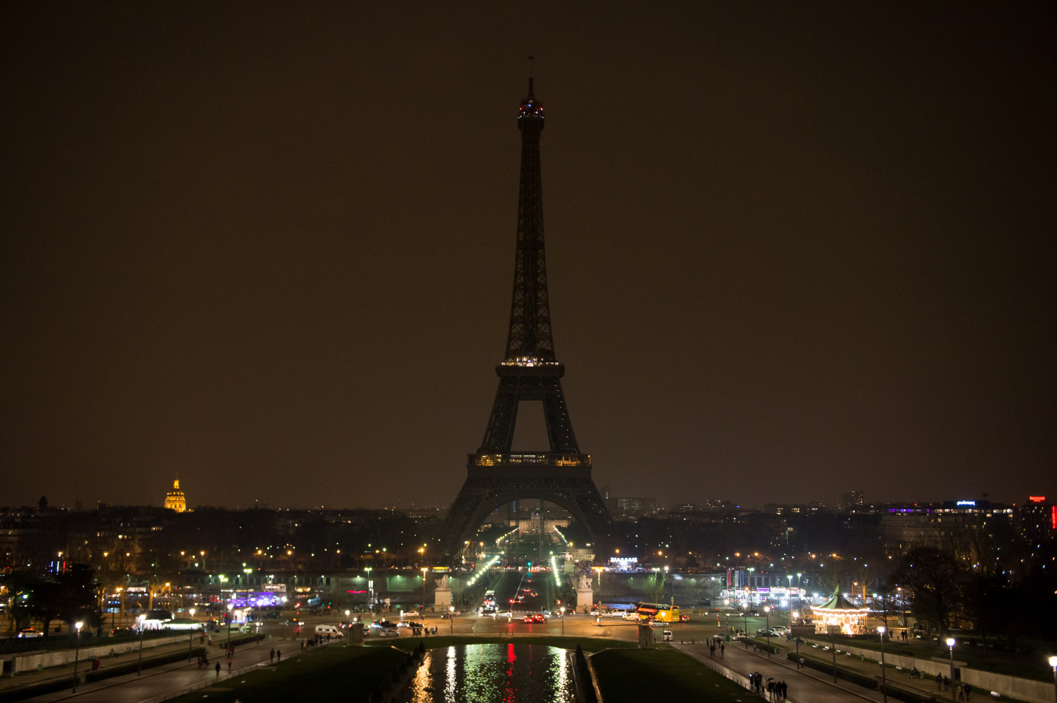 Paris illumination ban 39 city of light 39 begins turning off its lights - Illumination a paris ...