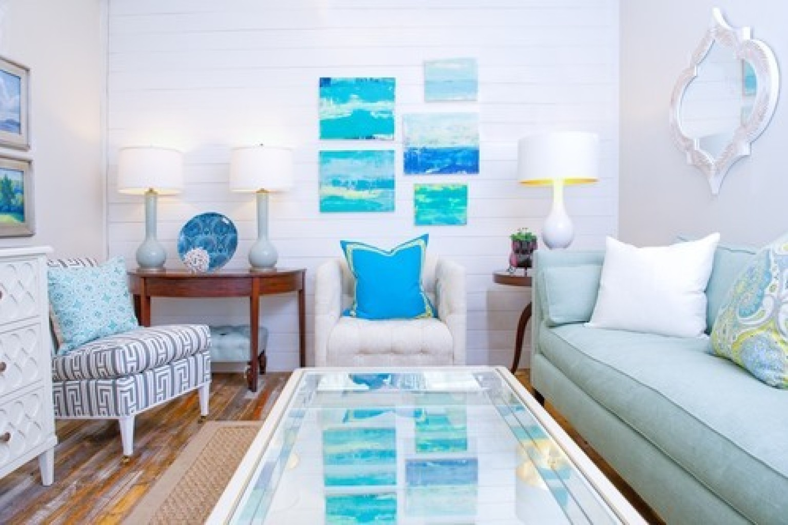 8 beach homes that don 39 t come close to making us seasick for Ocean themed interior design