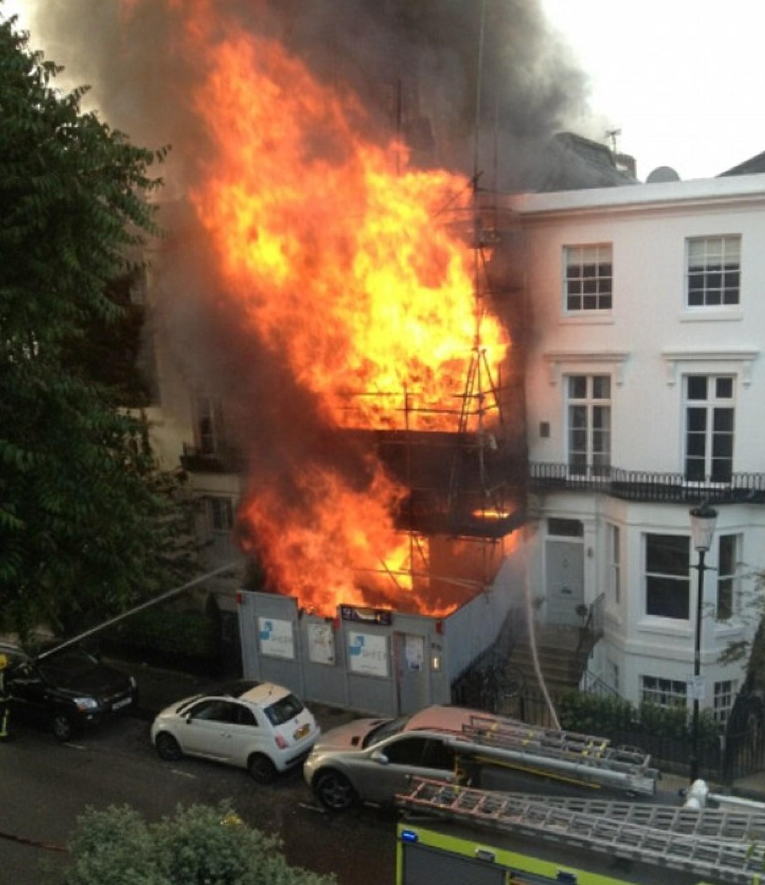 Kensington house fire 39 visibile from heathrow airport for The kensington house