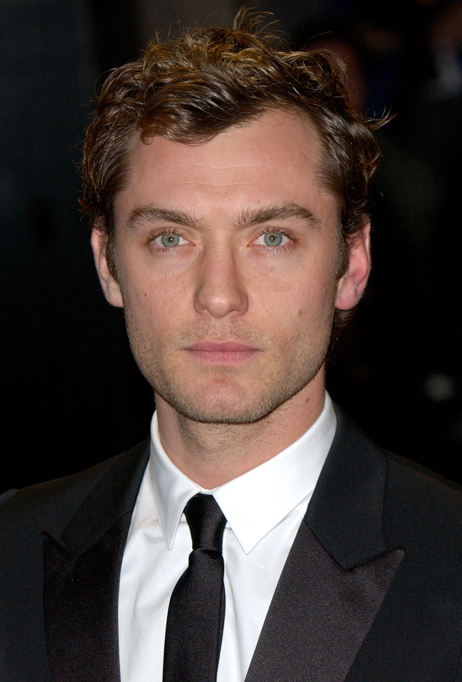 Jude Law Photo Rarely Seen Actor Reemerges In London Huffpost
