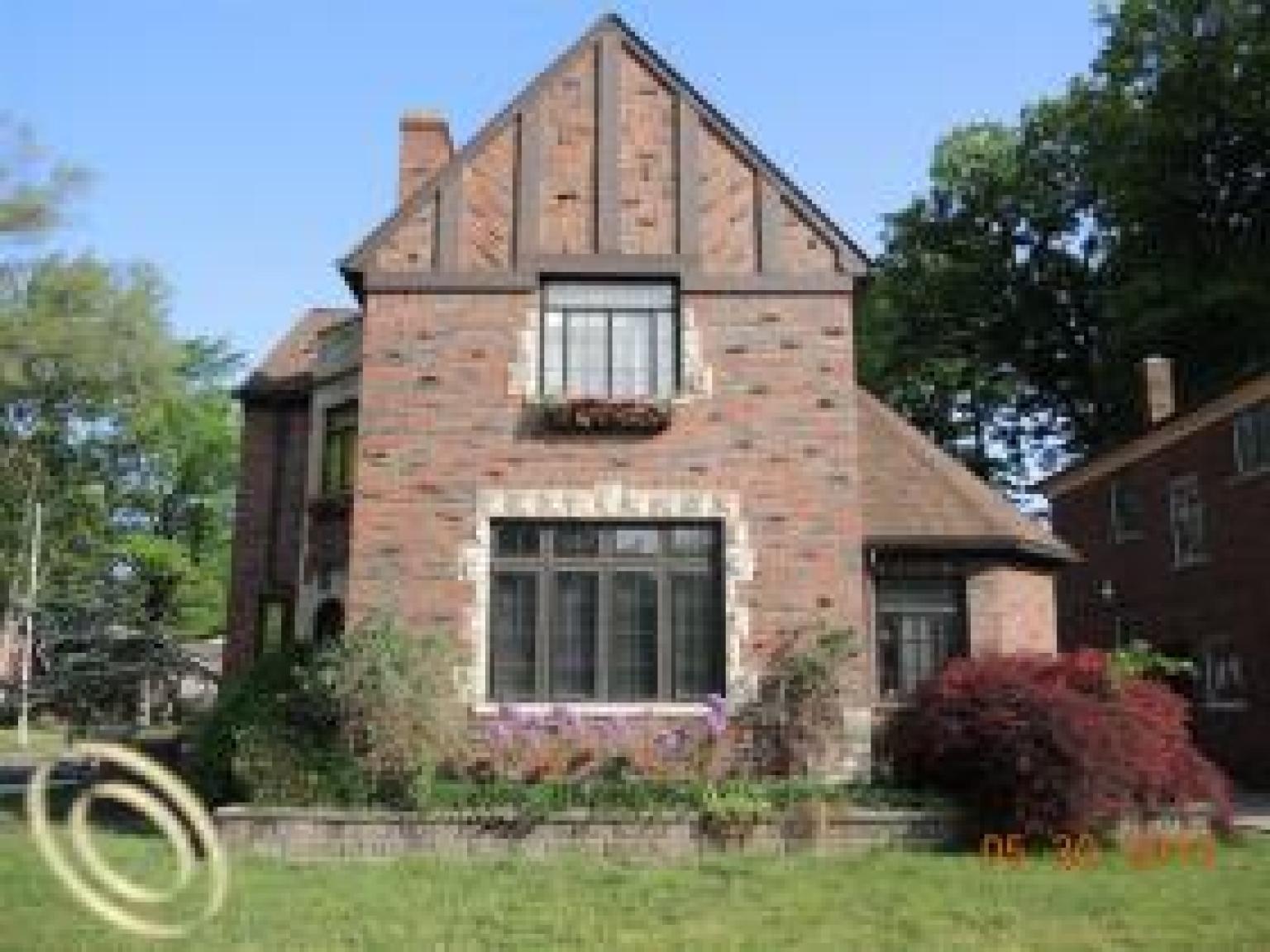 green acres tudor for sale in detroit is full of modern