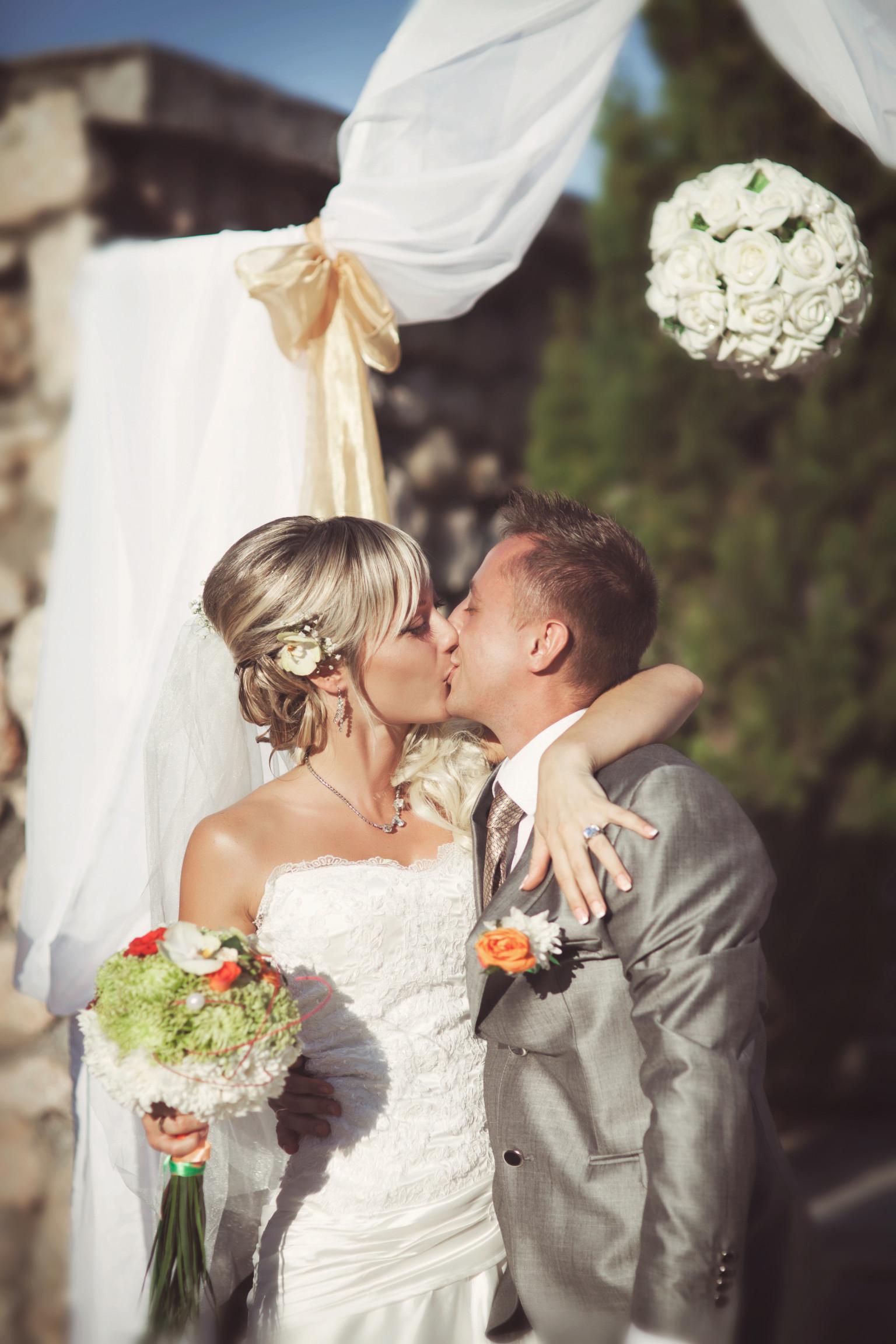 Best Celebrity Wedding Dresses - The Most Stunning ... - ELLE