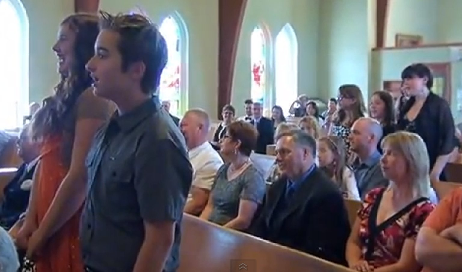 Wedding Flash Mob Students Surprise Guests With Sweet Song VIDEO