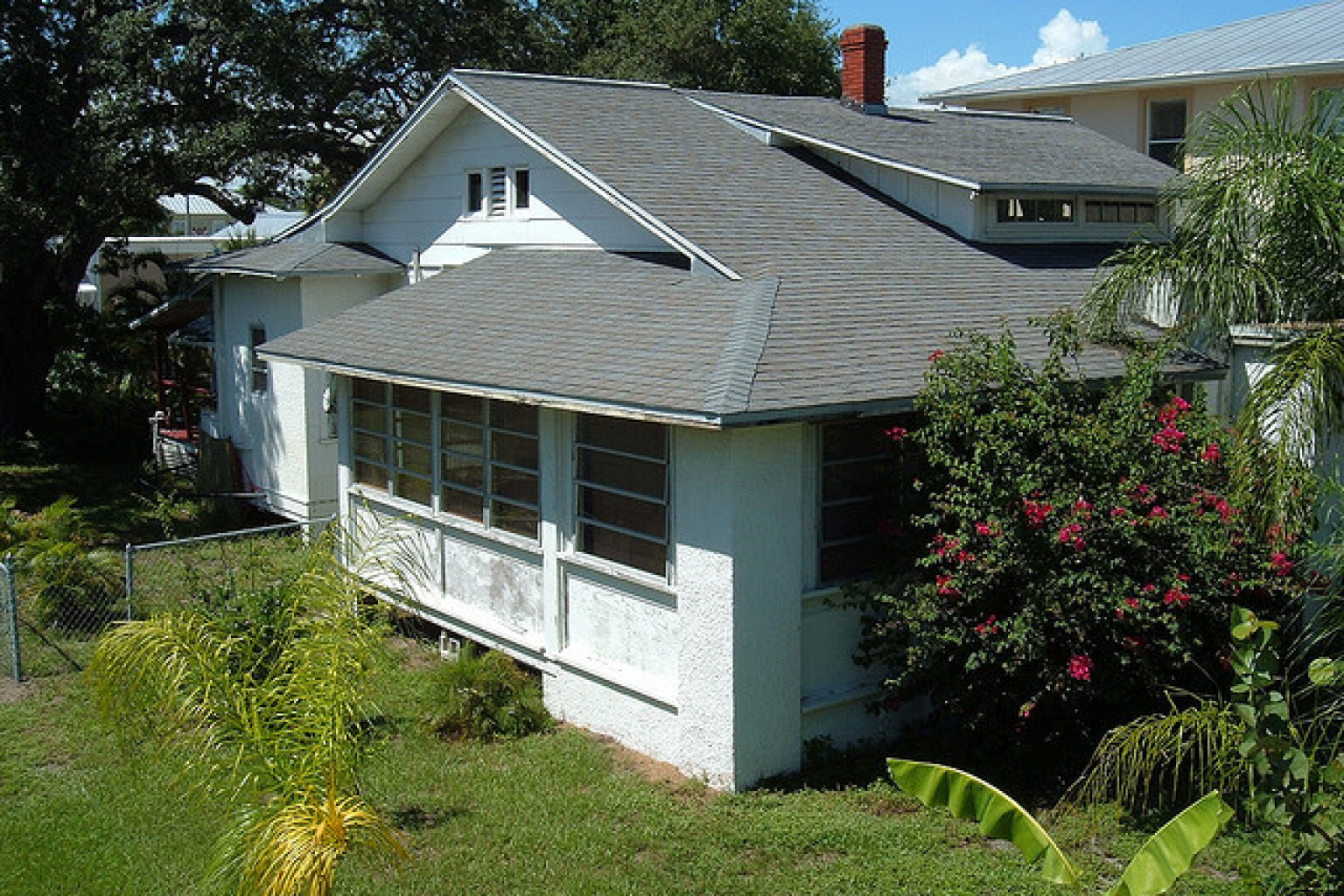 Jim morrison 39 s house in melbourne florida offered a for Jim s dog house