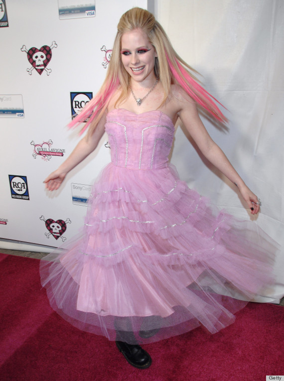Avril Lavigne S Black Wedding Dress Could Ve Been So Much More Epic Photos Huffpost