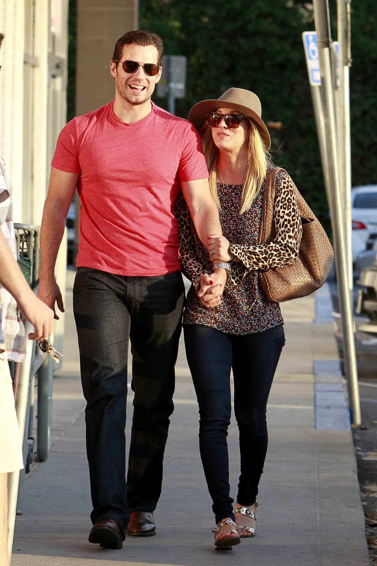 Henry Cavill, Kaley Cuoco Hold Hands In Los Angeles (PHOTOS)