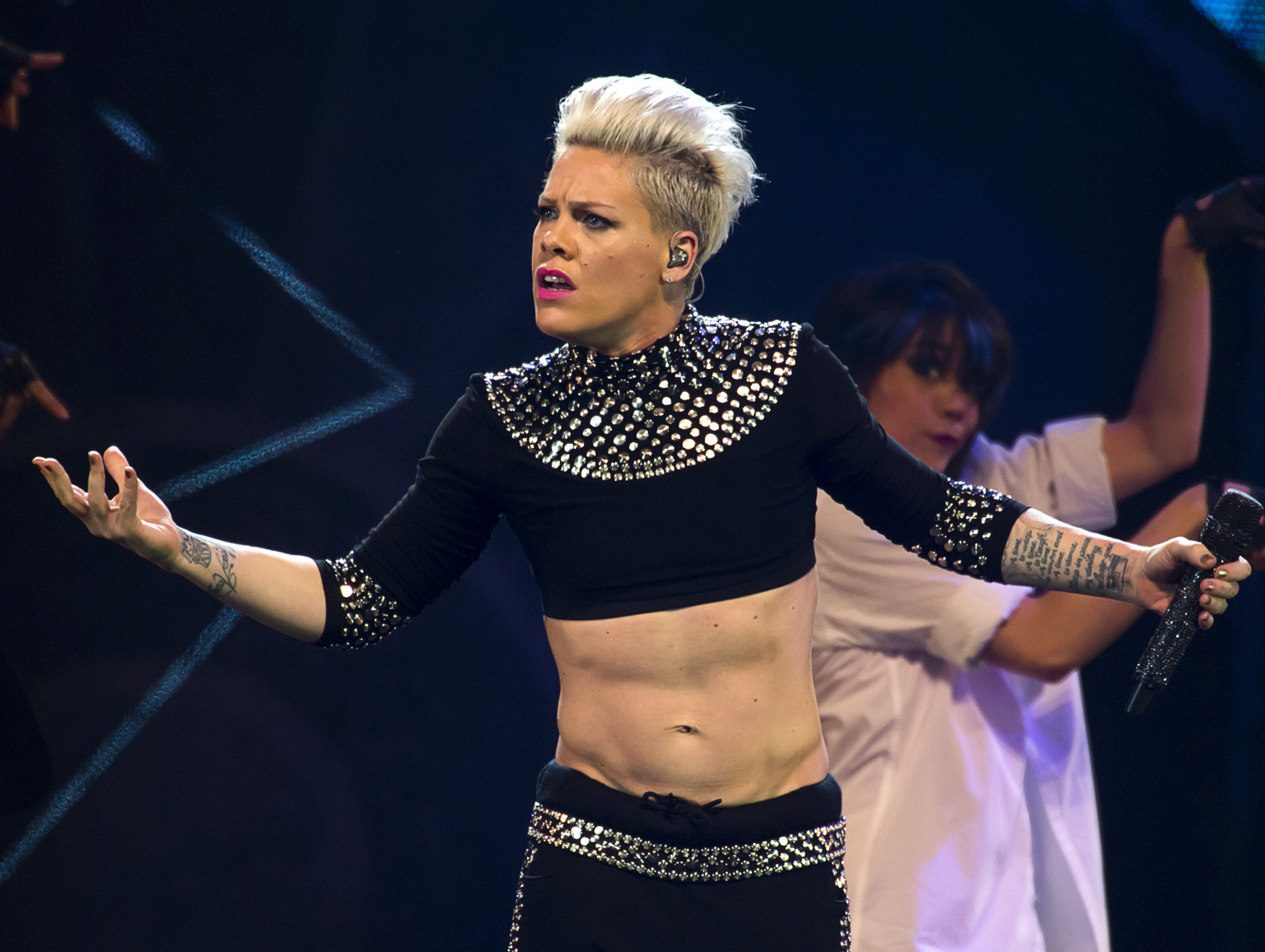 Pink's Melbourne Show ...P!nk Abs
