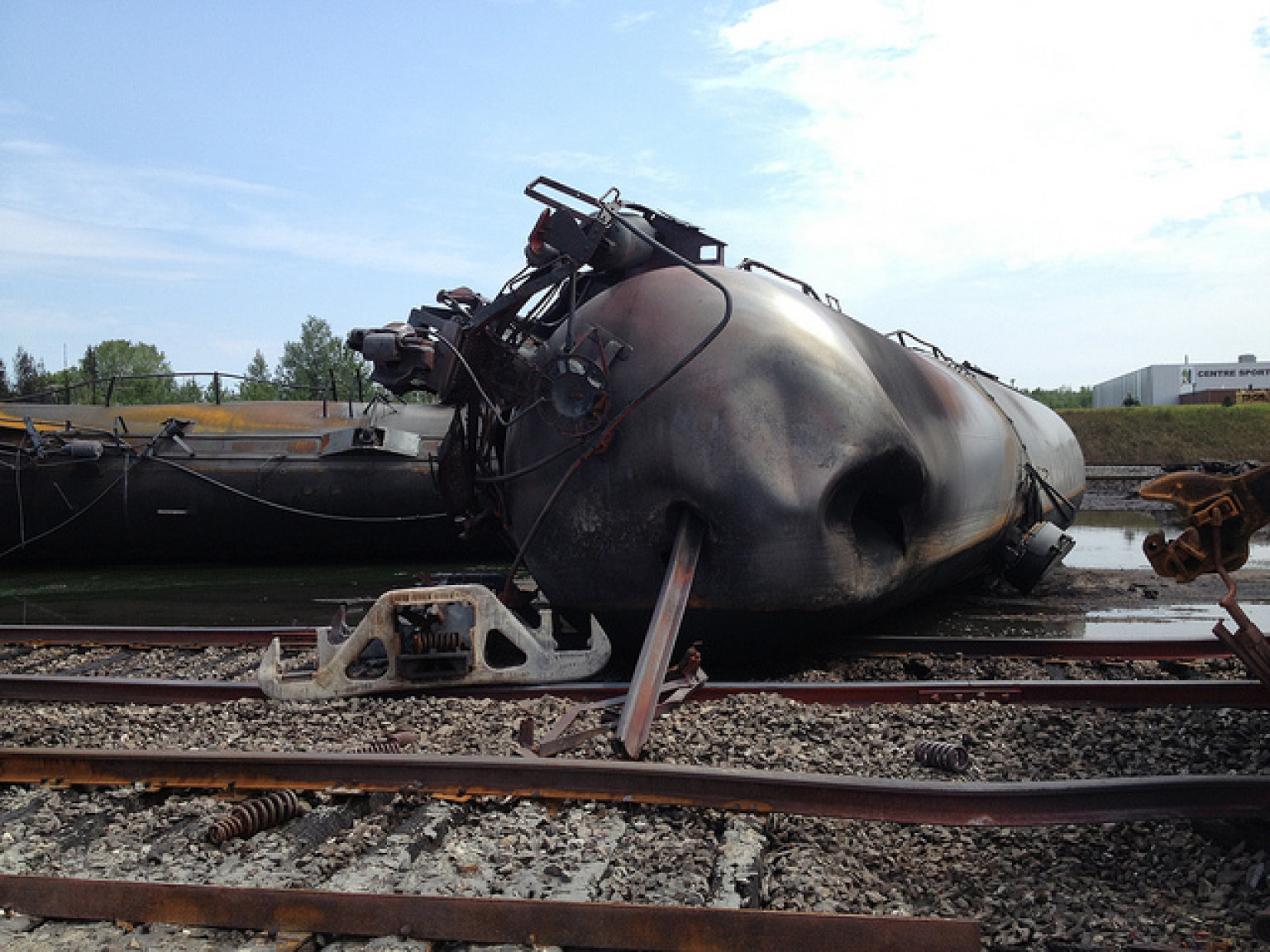 lac mgantic muslim Lac-megantic (afp) – as a raging inferno from an exploded train lit up the night sky and flames incinerated much of a canadian town, a hero headed right into the danger he valiantly drove a.