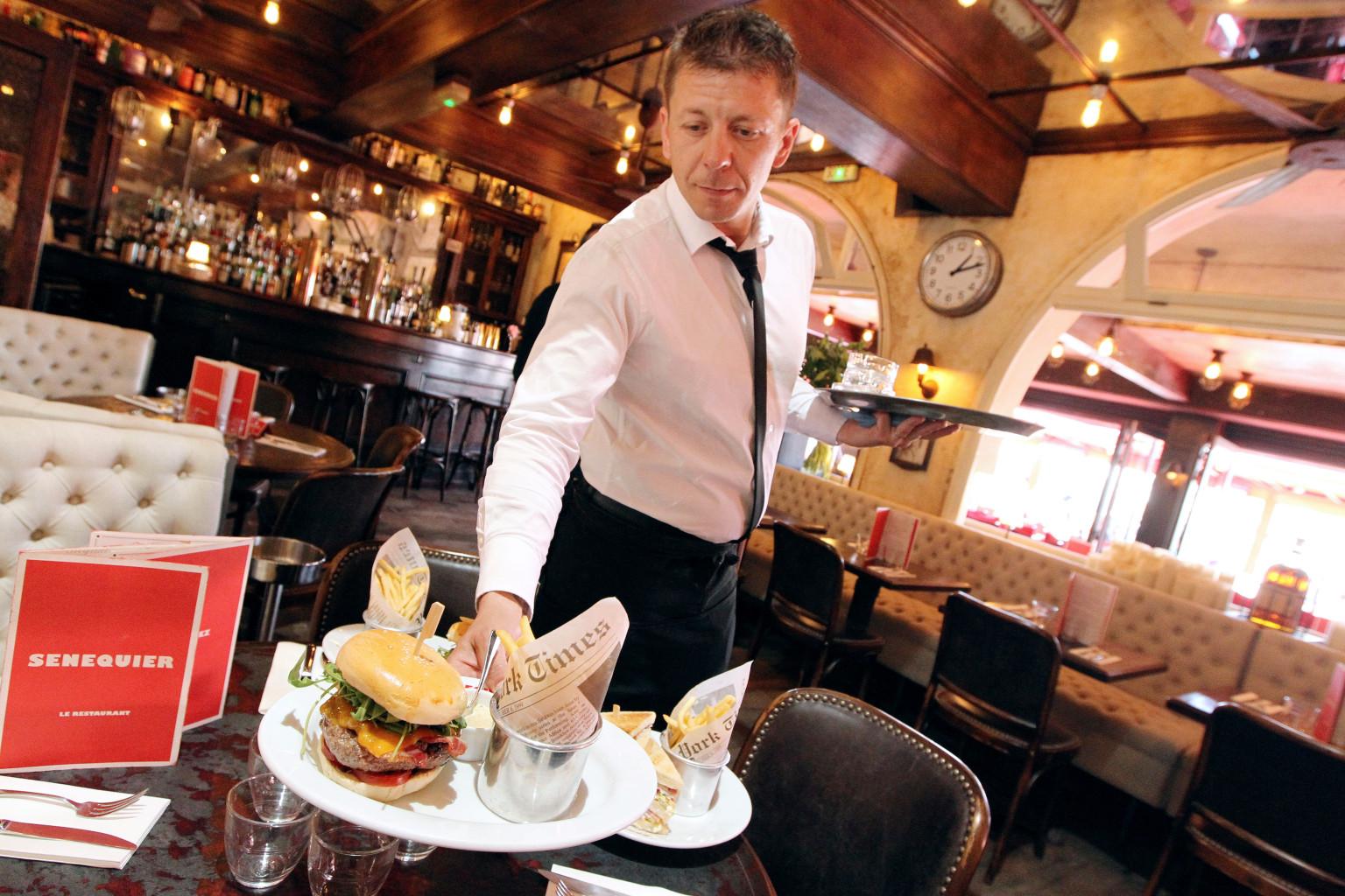Restaurant Waiter Serving | www.imgkid.com - The Image Kid ...