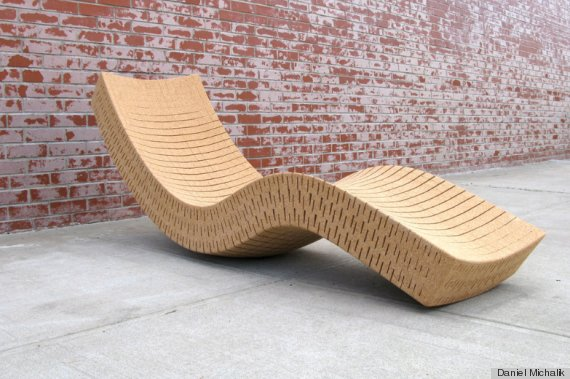 11 extreme sofas that will make you rethink your trusty for Chaise longue a bascule
