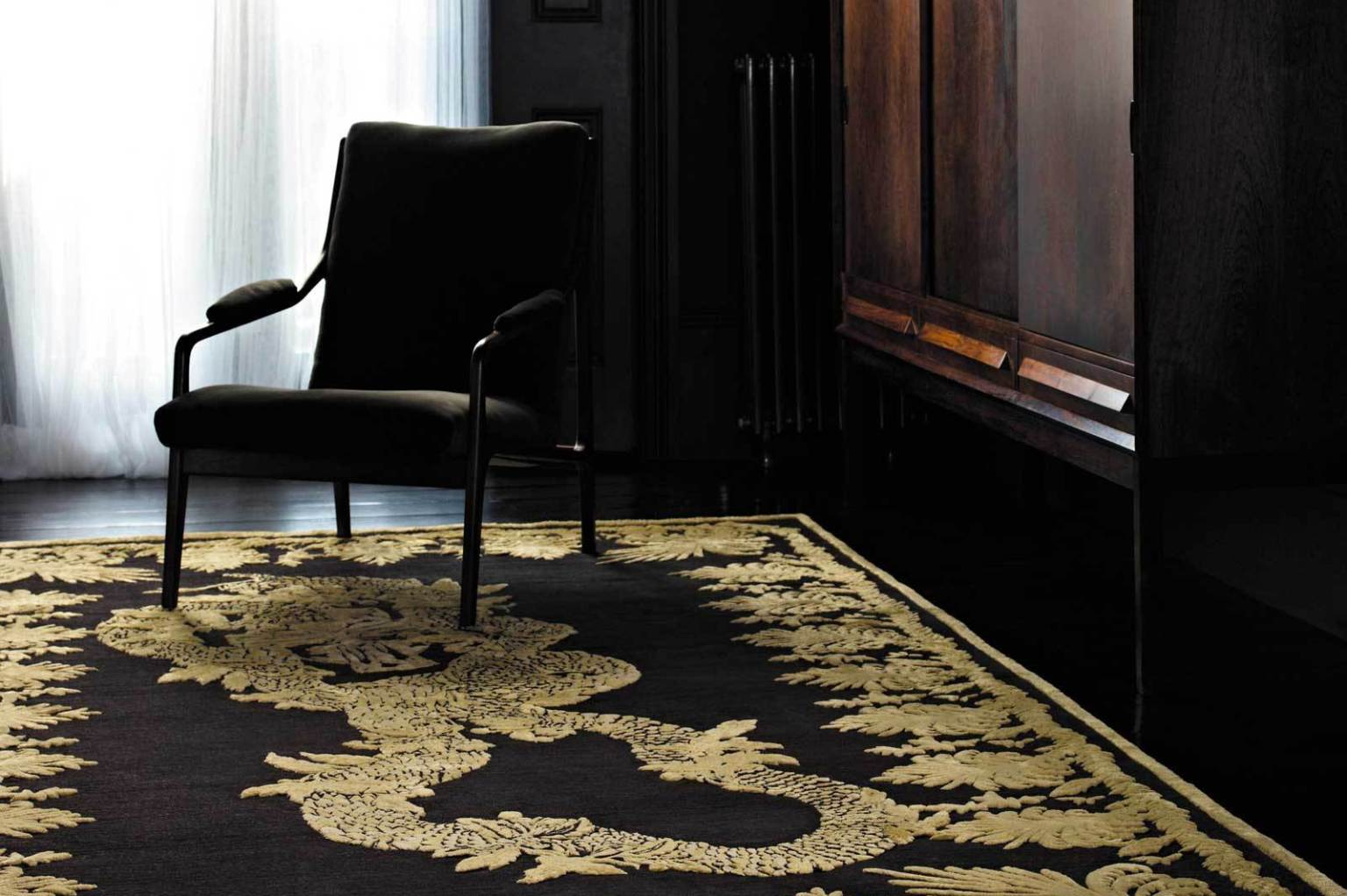 the rug company and alexander mcqueen 39 s new home collection to debut this fall photos huffpost. Black Bedroom Furniture Sets. Home Design Ideas