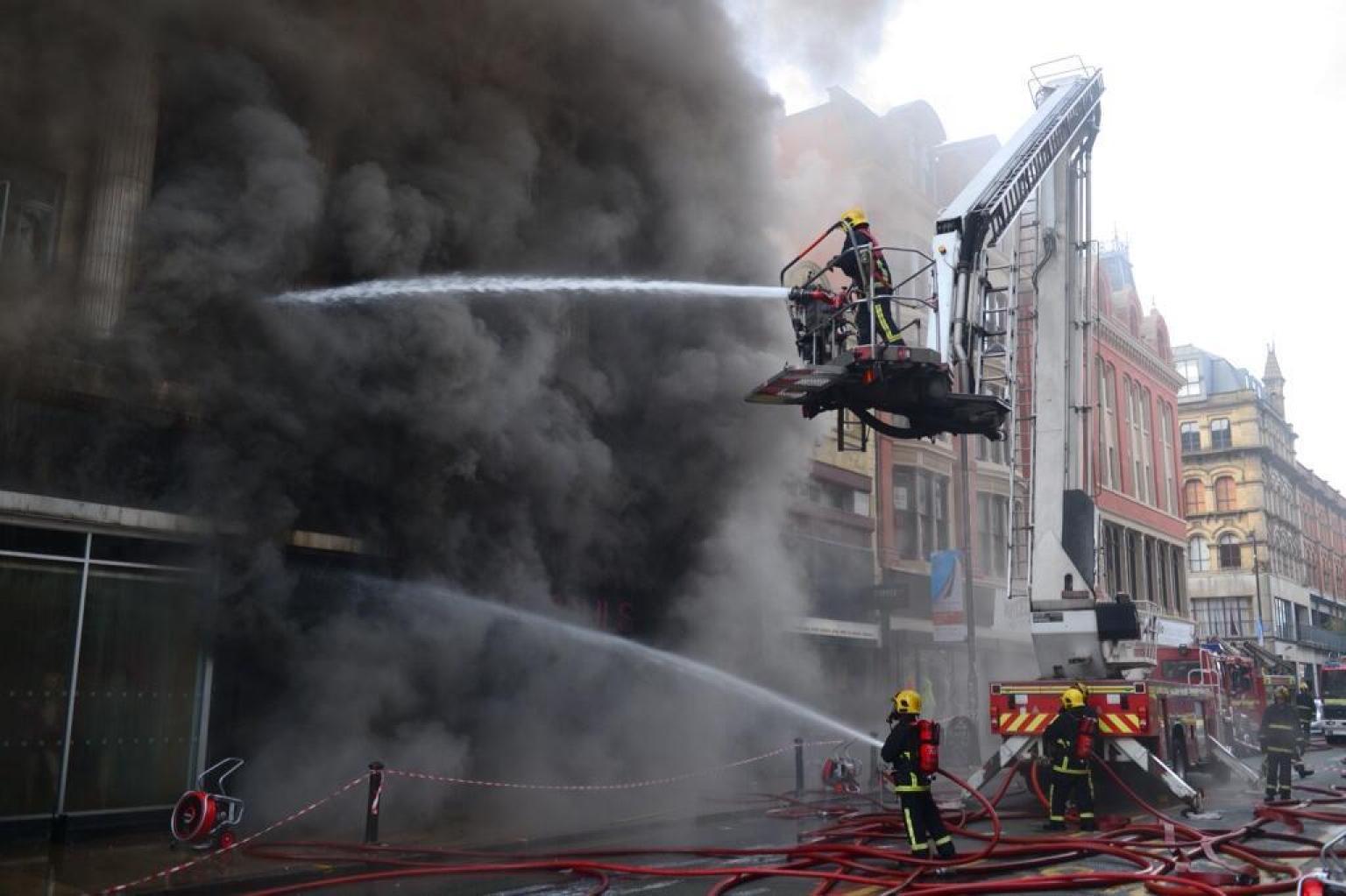 Tackling In Stephen Firefighter  Fire Huge Killed Hunt