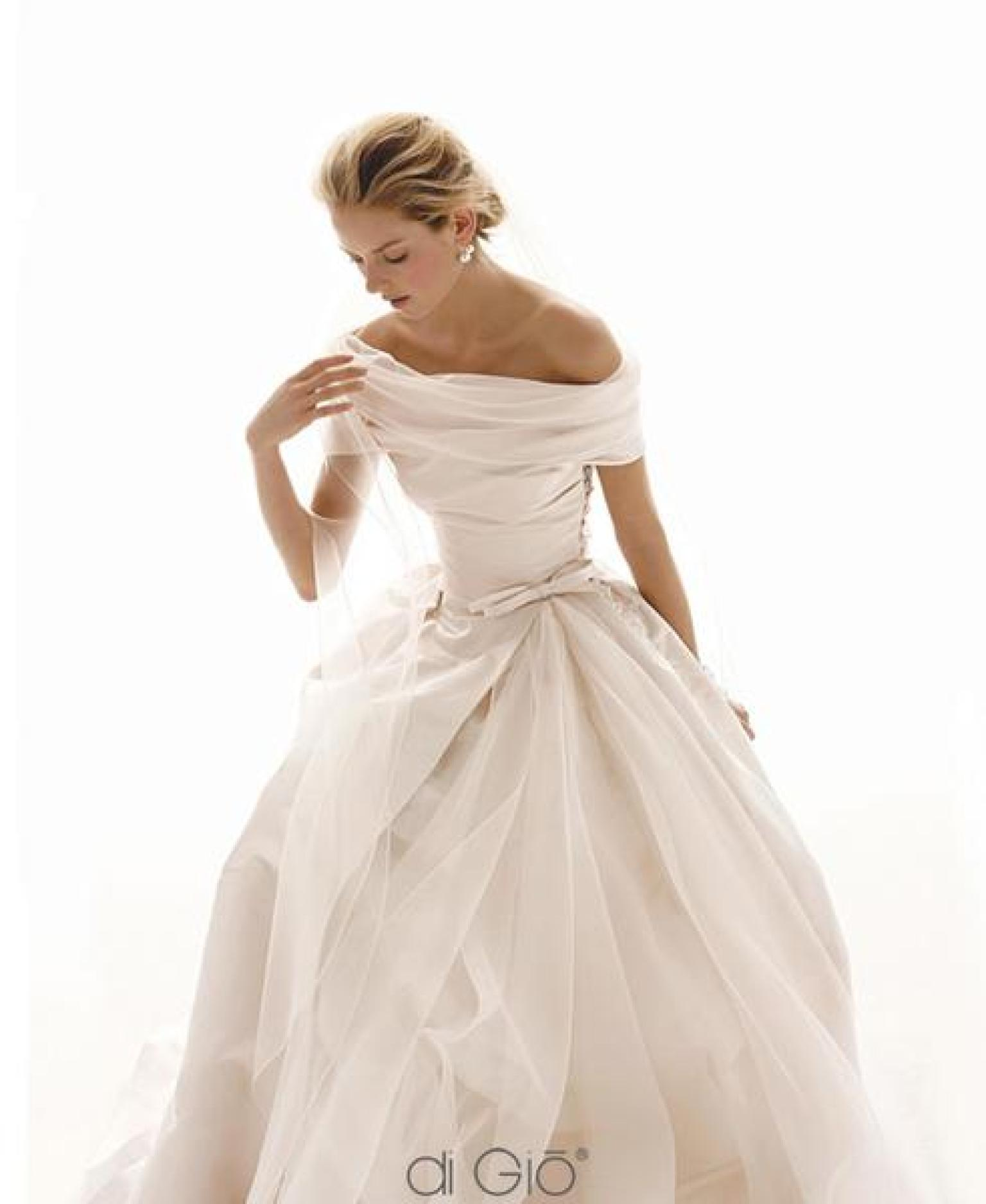 Elegance Of   Wedding Dresses : Off the shoulder wedding dresses year s most sensual