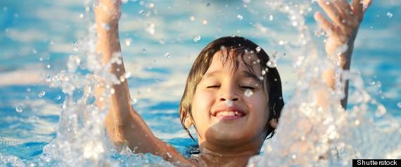 Montr al prolonge les heures d 39 ouverture des piscines for Cash piscine heure d ouverture