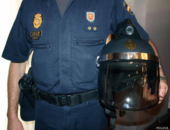 cascos policía cámara fútbol