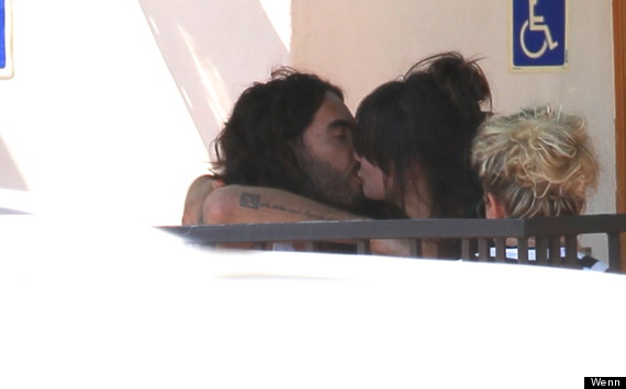 russell brand kissing brunette