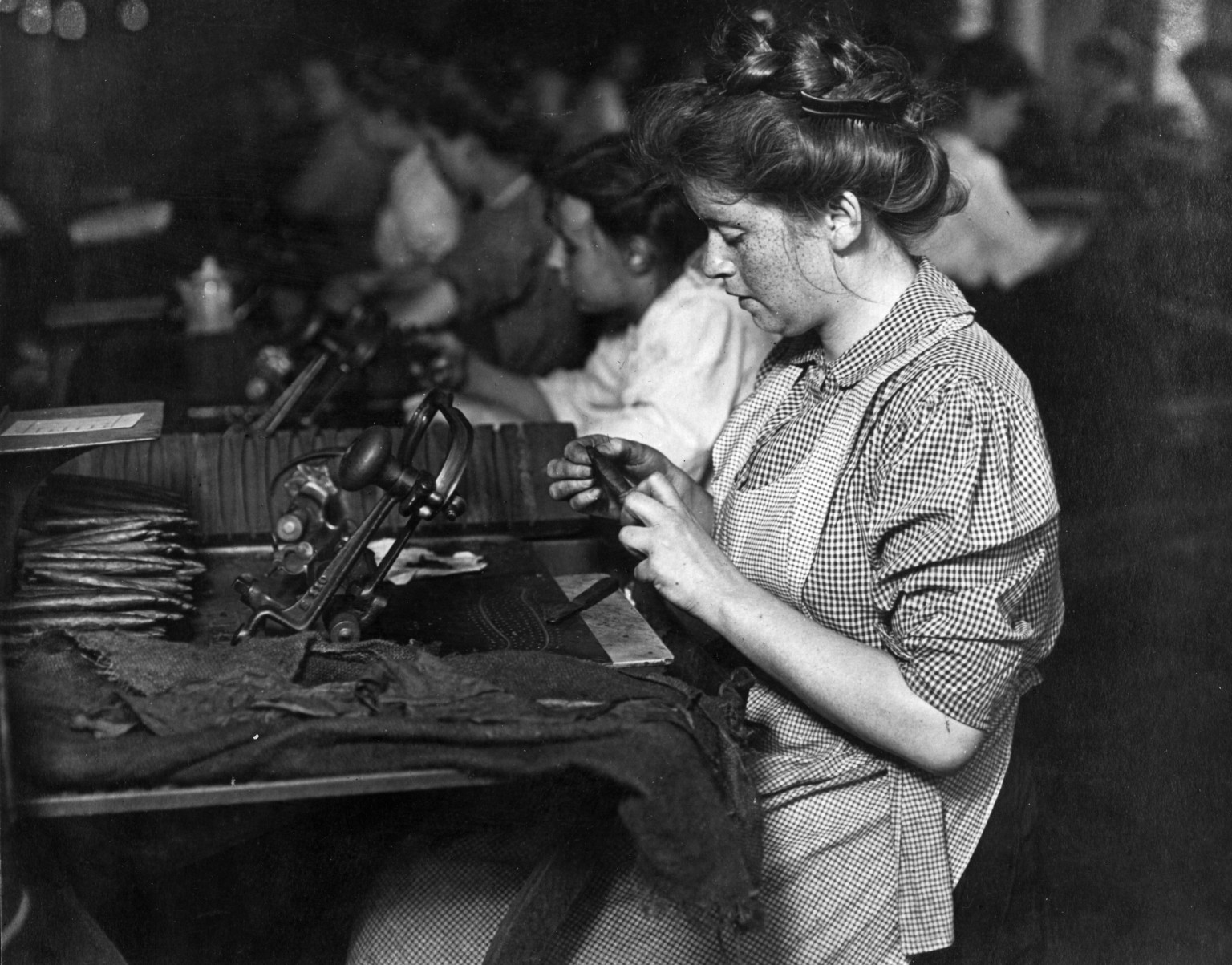 the discrimination of women in the workplace in canada since the 1940s The fight for women's rights in the workplace – an photo timeline tags: women workers, discrimination, gender equality tools this content is available in.