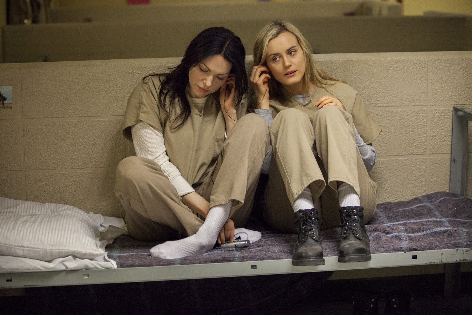 Orange is the new black lesbian scenes