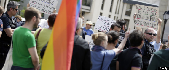 GAY MARRIAGE BRITAIN FRANCE