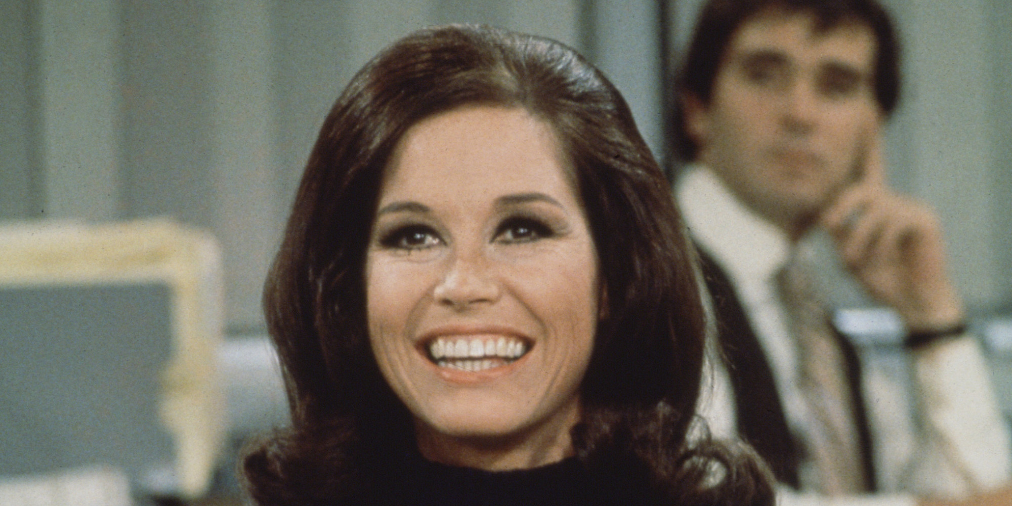 Guest post the evolution of women in comedy from mary tyler moore to amy and mindy huffpost - Mary tyler moore show ...