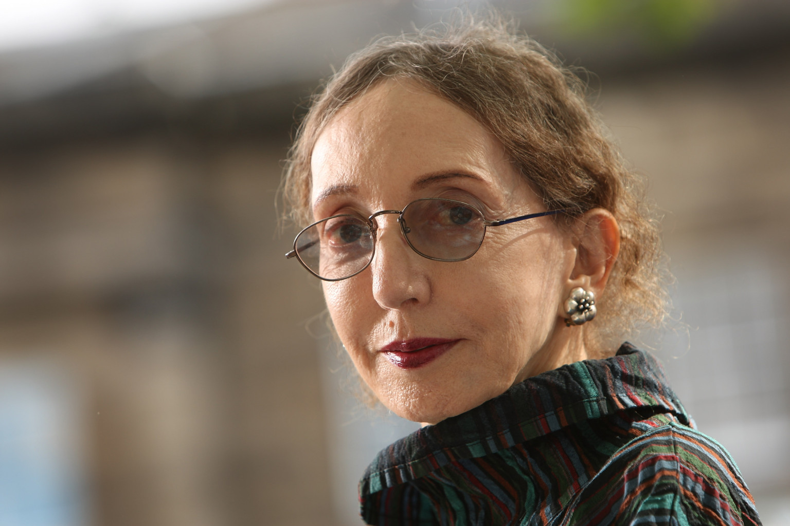 an analysis of joyce carol qates One of the united states's most prolific (producing a lot of work) and versatile (producing a wide variety of work) contemporary writers, joyce carol oates focuses upon the spiritual.