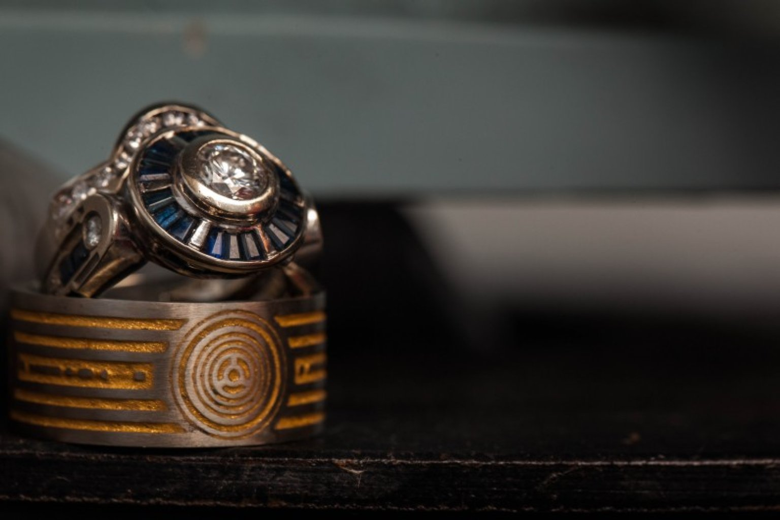 39star wars39 wedding ring is inspired by c 3po photos for Star wars wedding rings