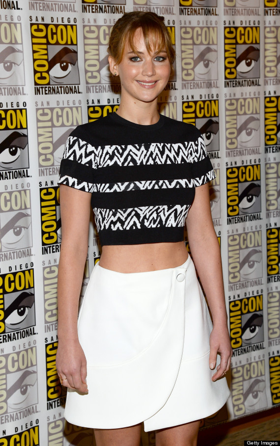 Jennifer Lawrence S Crop Top Shows Off Her Toned Tummy At