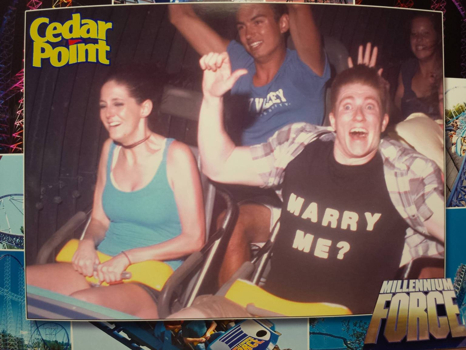 Girls flashing on roller coaster Maenner