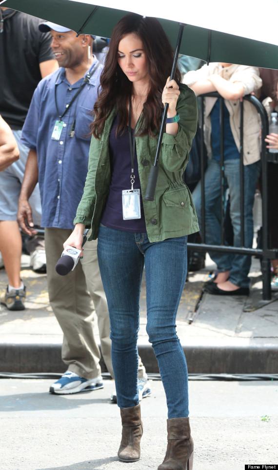 Megan Fox Rocks Tight Skinny Jeans Ninja Turtles Set