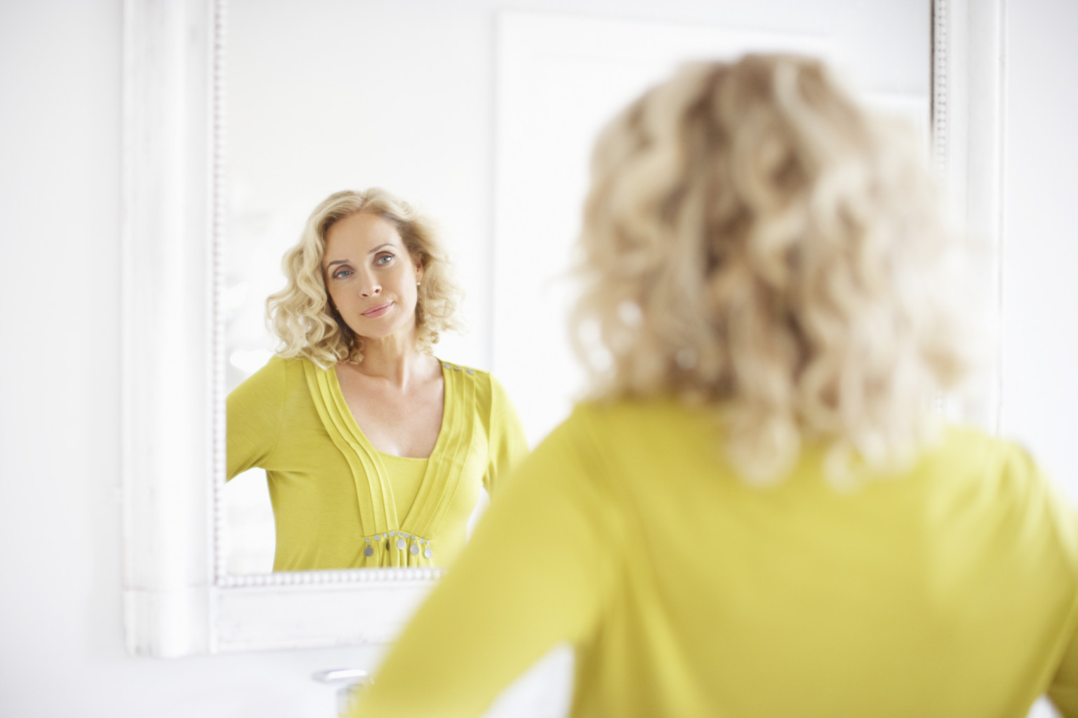 Woman Looking In Mirror And Seeing Someone Else O Looking In Mirror